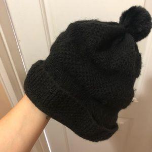 🚨 WINTER SALE Black winter hat 🥶